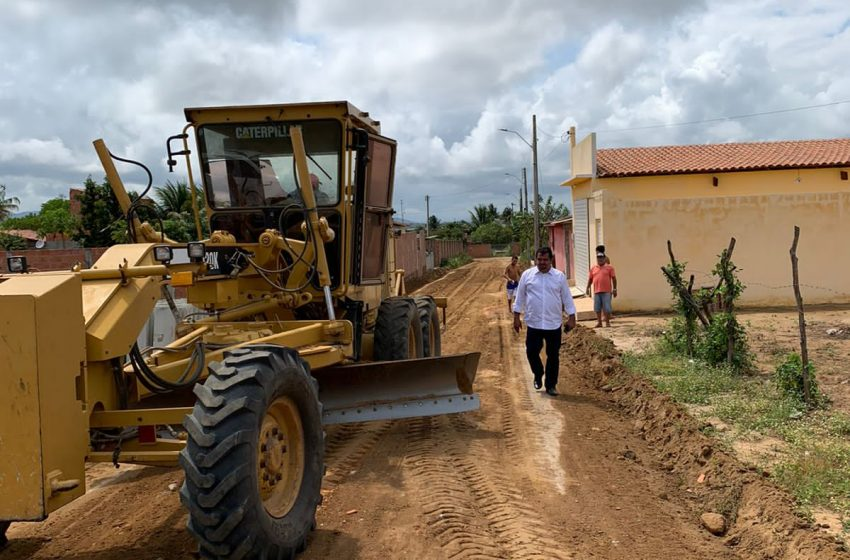 Emenda de Arthur Lira garante pavimentação de ruas